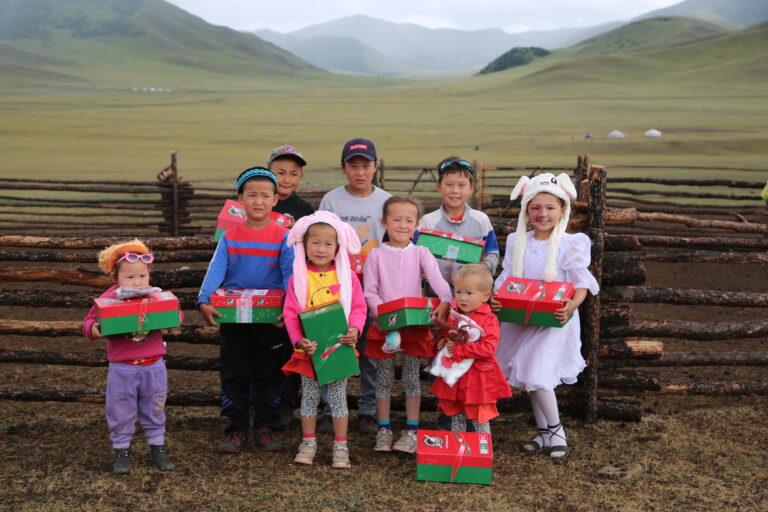 한국에서 몽골로 보내진 OCC선물상자